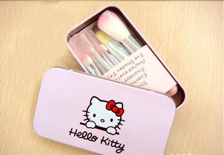 da31f1874 New Hello Kitty 7 Pcs Mini Makeup brush Set cosmetics kit de pinceis de  maquiagem make up brush Kit with Metal box.